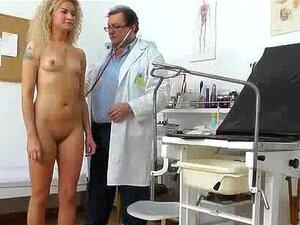 En skjult livecam i en gyno klinikk, avveket spesialist skjuler en spion cam i en gyno klinikk etterforskning rom