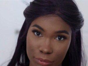 Elfenben Logan er en liten ebony jente som elsker å være manha. Elfenben Logan er en liten ebony jente som elsker å være manhandled Hun kan ikke vente til å få rota med et belte i munnen hennes stønn høyt nok for oss til å høre henne selv mens kneblet