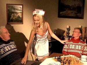 Gamle menn dobbel trenger unge pervers sykepleier