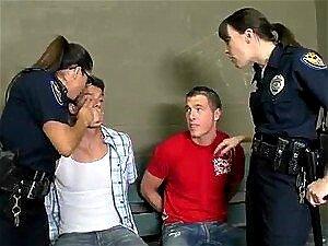 To varm og kåt polititjenestemenn jævla to kriminelle Kuker